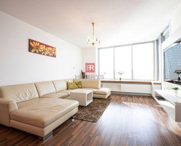 HERRYS - Na prenájom priestranný 3 izbový byt s parkovacím miestom v projekte III Veže