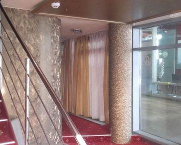 Prenájom obchod. priestorov 110 m2  na Hodžovom nám. pri Prezidentskom paláci, NOVOSTAVBA
