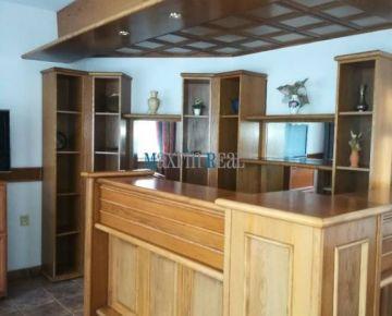 MAXFIN REAL- ponúka na prenájom polyfunkčnú budovu, ubytovňu v Nitre