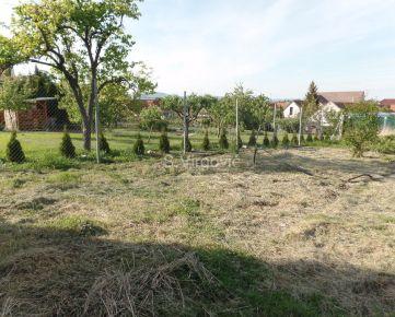 Predaj lukratívneho stavebného pozemku na výstavbu polyfunkčného RD v úplnom centre obce Šenkvice