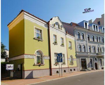 HISTORICKÝ TEHLOVÝ DOM PRIAME CENTRUM MESTA Banská Bystrica, INVESTIČNÝ ZÁMER