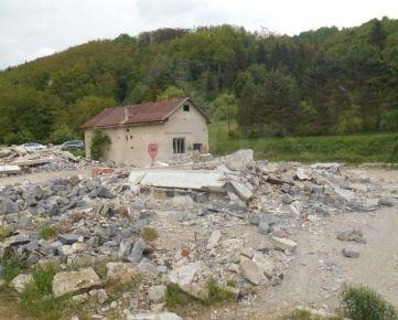 Pozemok na kraji dediny. Znížená cena!!!