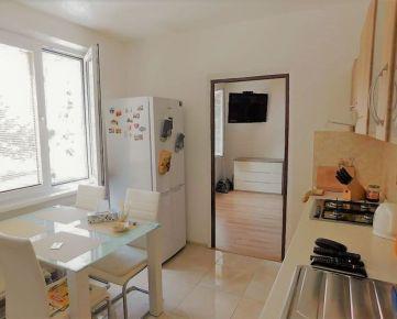REZERVOVANÉ - Zvolen, mesto – zrekonštruovaný 2-izbový byt, 55,5 m2 – predaj