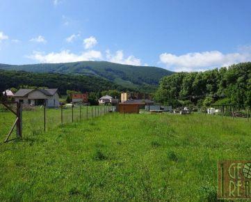 V tichom prostredí Bukovej na predaj rovinatý pozemok s pekným výhľadom na Záruby. len za 22 500,-€
