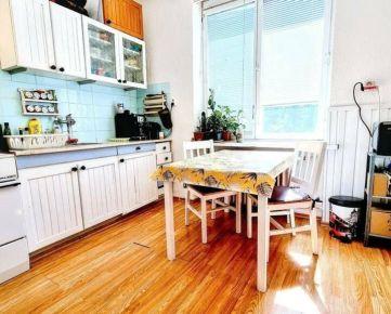 ÚŽASNÝ a PRIESTRANNÝ 2-izbový byt (58 m2) v PRÍRODE aj MESTE
