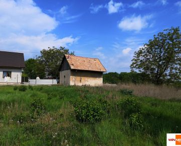 Ponúkame Vám na predaj stavebný pozemok v obci Veľká Dolina 20km od NR, 5400m2