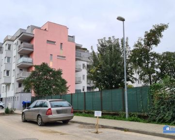 NA PRENÁJOM, 3 izbový byt, loggia, novostavba, Velkomoravská ul., Trenčín