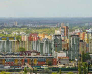 Hľadáme pre nášho klienta 3-izbový byt, Bratislava-Petržalka, pôvodný