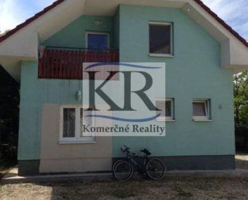 Na predaj rodinný dom vhodný na ubytovanie zamestnancov v Senci, 80m2