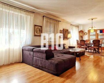 !!!INVESTIČNÁ PRÍLEŽITOSŤ!!! Luxusný rodinný dom 438m2 v centre Starého Mesta s možnosťou zmeny účelu!!!
