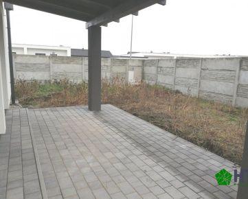 4 izbový tehlový RD bungalov – 88 m2, pozemok cca 450 m2, Malý raj, Slnečná ul.