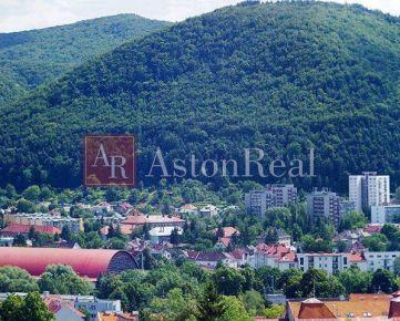 Hľadám pre klienta 3-izbový byt Banská Bystrica, Národná ul.
