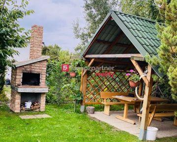 PREDANÉ - Krásny pozemok so záhradnou chatkou – ZLATÉ PIESKY, 403m2
