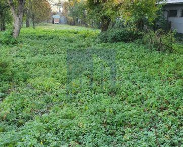 Ponúkame na predaj stavebný pozemok v Majeri, v Banskej Bystrici. cca 2000 m2