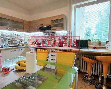 RESERVE,ADOMIS - predám príjemný, útulný väčší 3-izb. byt 81m2,loggia,Berlínska ulica,sídlisko Ťahanovce, Košice.
