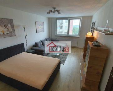 1+1 izbový byt TOP lokalita - centrum Juhu Kyjevská