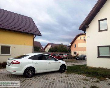 NOVOSTAVBA veľmi príjemné netradičné bývanie v Ružinove, časť Prievoz medzi rodinnými domami