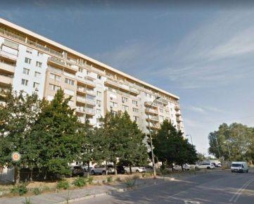 DOM-REALÍT ponúka Veľký 72m2, 2izbový byt, Budatínska ulica