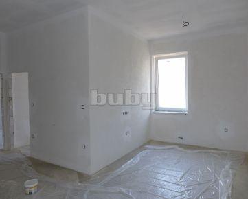 Prenájom 3 izbový byt 64 m2 centrum Žilina