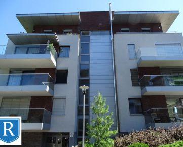 IMPREAL »»» Staré Mesto »»  veľký ( 200 m2 ) luxusnný 4 izbový byt s terasou » súkromný uzatvorený areál  » cena 2.100,- EUR ( English text inside )
