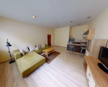 Na prenájom 2 izbový byt v samotnom centre mesta Trenčín