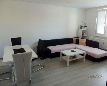 Na prenájom moderný 2-izbový byt na sídl. SNP v Pov. Bystrici