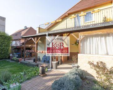 Na predaj 5i rodinný dom v širšom centre Trenčína na pozemku o výmere 319 m2.
