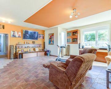 360° VIRTUÁLNA PREHLIADKA:: Dom s veľkým pozemkom vhodný na penzión, Necpaly pri Martine