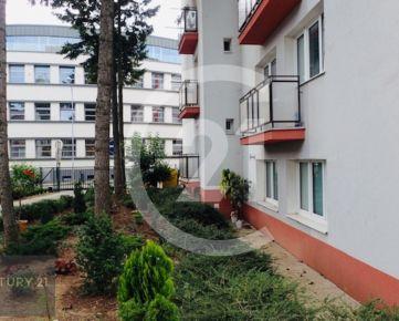 Prenájom komerčný priestor Nitra, centrum mesta aj s parkovacím miestom