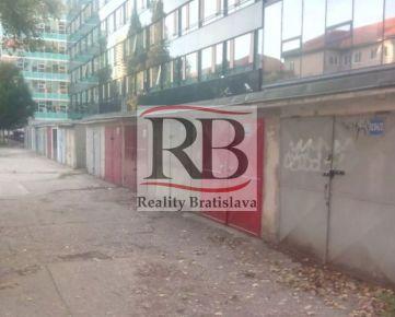 Na predaj garáž s pozemkom na Budovateľskej ulici, BAII
