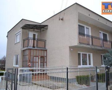 Veľký dvojgeneračný rodinný dom s garážou v obci Beladice za výhodnú cenu! 312 m2, pozemok 800 m2. CENA: 104 000,00 EUR