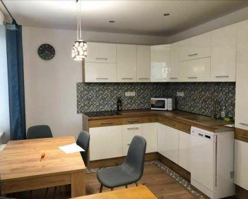 Ponúkame na prenájom 3-izbový byt vo výbornej lokalite, ulica 17. novembra, Prešov.