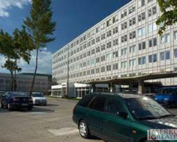 Prenajom administrativne priestory v admistrativnej budove, vymera  334 m2 Bratislava Raca,