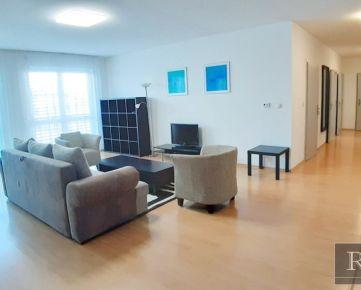 4 - izbový (135 m2) – tichý ,zariadený byt v menšom objekte v centre mesta