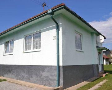 Direct Real - Rodinný dom - 3 izbový, 688 m2, garáž, hosp. budova, altánok, Liptovská Teplá, okres Ružomberok