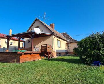 REZERVOVANÉ - Predaj - Rodinný dom vo V. Ripňanoch, samostatná garáž, veľký pozemok
