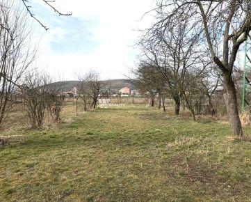 Na predaj stavebný pozemok pre RD v Kubrej.