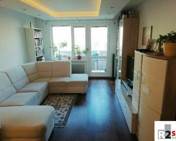 Predáme veľký 4 - izbový byt, Žilina - Vlčince III, R2 SK.