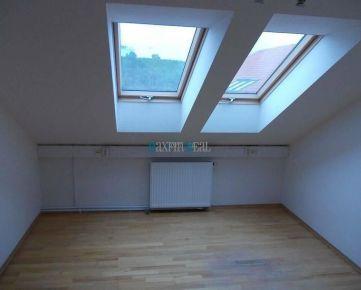 MAXFIN REAL - Menšia kancelária v Nitre
