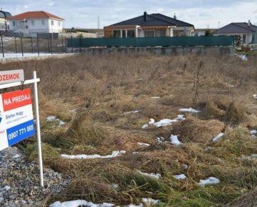REZERVOVANÉ! Predaj stavebný pozemok Nitra Janíkovce