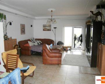 Prenájom 4-izb.byt v rodinnom dome; novostavba; bazén; detské ihrisko ; obec Láb