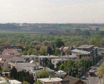 PREDAJ: 1-izb.byt, Bratislava-Devínska Nova Ves s výhľadom na SCHLOSSHOF