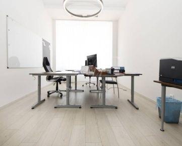 Kancelárie v centre mesta s parkovaním - 41, 98 m2