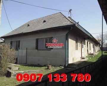 Predaj- dva vidiecke domy s hosp. budovami- Ábelová- Lučenec