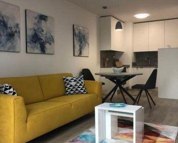Prenajom - 2 izbovy byt v Urban Residence s vyhladom do parku