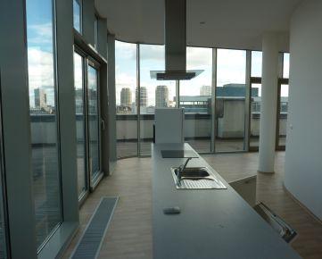 Luxusný penthouse v centru Bratislavy