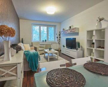 Vkusný zariadený 2 izbový byt 55 m2, kúsok od centra mesta, Špačinská cesta
