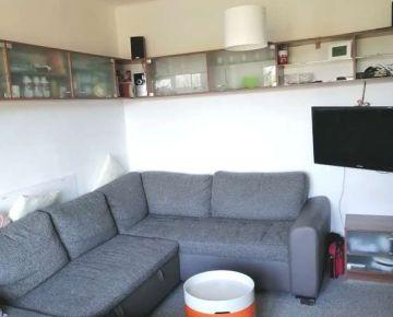 Zvolen, Podborová – zrekonštruovaný 3-izbový byt, výmera 60 m2 – predaj