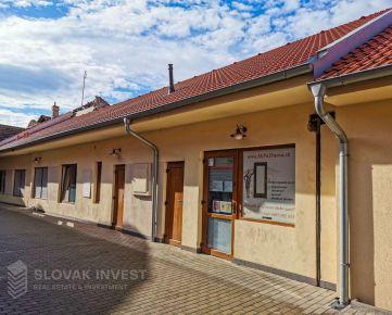 SLOVAK INVEST - Jedinečná investičná nehnuteľnosť v historickom centre Trnavy.