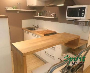 Ponúkame na prenájom pekný 1 izb. byt v novostavbe s garážovým státim
